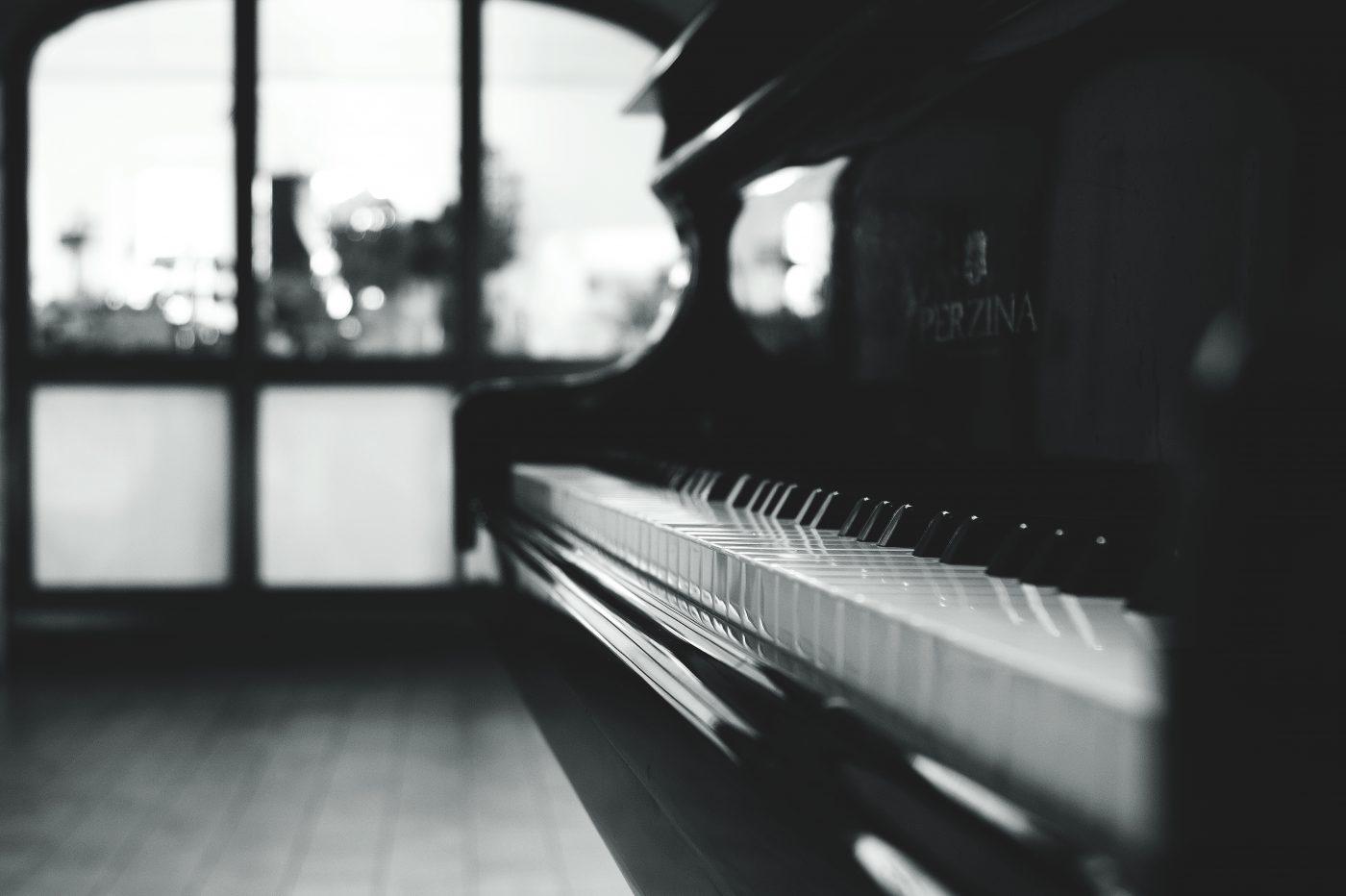 liz cirelli gallery piano